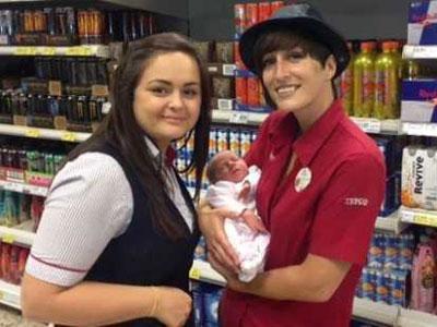 Wanita Ini Berhasil Lahirkan Bayi di Supermarket