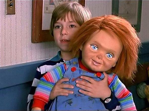 Penulis Film Horor Boneka Chucky Meninggal Bunuh Diri