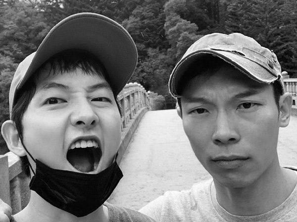 Song Joong Ki Unjuk Pertemanan Sehat dengan Yang Kyung Won