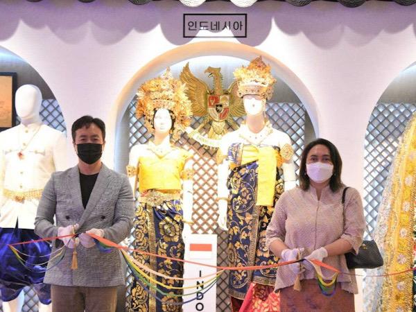 Baju Pengantin Bali Dipajang di Museum Seoul