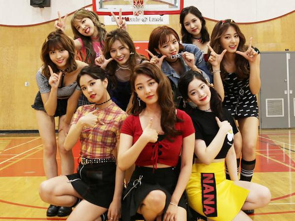 TWICE Jadi Artis Korea Pertama yang Berhasil Raih Triple Crown di Program Musik 'Inkigayo'