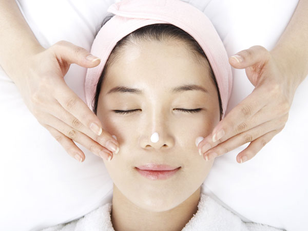 3 Cara Tepat Mengatasi Alergi Produk Kecantikan