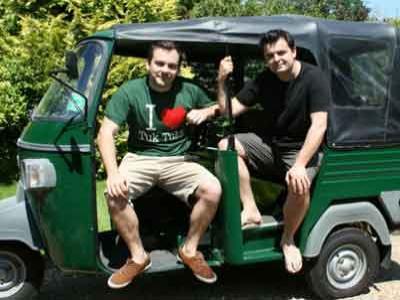 Wow, 2 Warga Inggris Keliling Dunia Pakai Bajaj