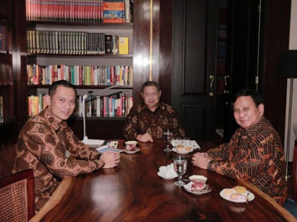 Respon Prabowo Soal Peluang AHY Jadi Cawapresnya Nanti: 'Why Not?'