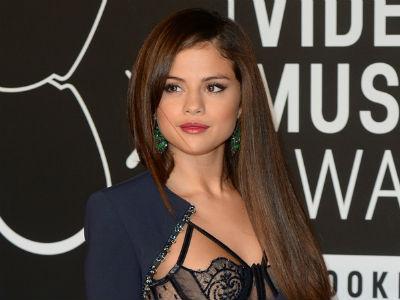 Visa Ditolak, Selena Gomez Batalkan Tiga Konser di Rusia!