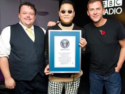 Psy Berhasil Pecahkan Guinness World Records!
