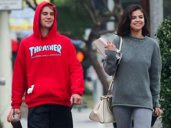 Pelukan Manja Selena Gomez ke Justin Bieber Bikin Iri