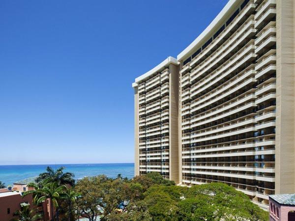 Liburan Akbar, SM Entertainment Sewa Penuh Satu Hotel Mewah di Hawaii Ini!