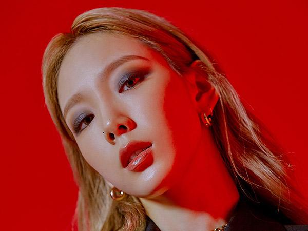 Bold nan Artistik, Lagu Baru Taeyeon 'Spark' Puncaki Chart Musik
