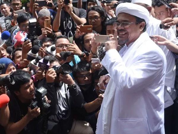 Benarkah Ada yang Ketakutan Jika Habib Rizieq Shihab Pulang Ke Indonesia?