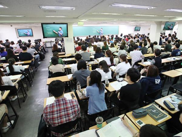 Percaya Isu Ini Jadi Alasan 50 Ribu Mahasiswa Korea Sengaja Tunda Kelulusan