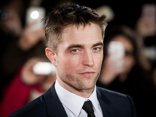 Tertangkap Bermesraan dengan Perempuan, Inikah Pacar Baru Robert Pattinson?