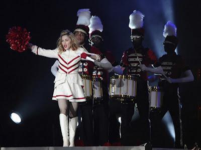 Madonna Pamerkan Aksi Vulgar di Turki