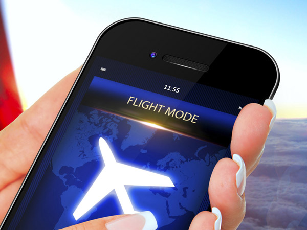 Alasan Simpel Ponsel Harus Dimatikan di Pesawat daripada Aktifkan Mode Airplane