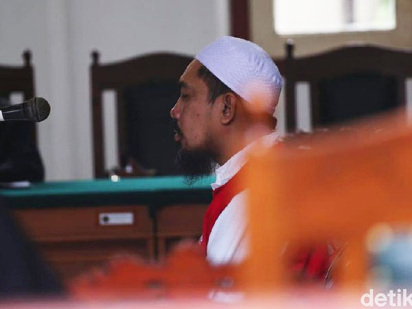 Bos Travel Umrah 'Abal' Abu Tours Resmi Divonis Karena Terbukti Tipu Jamaah Triliunan Rupiah