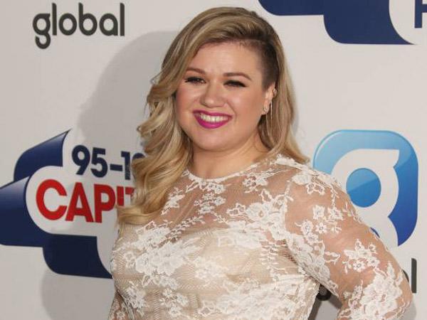 Selamatkan Pernikahan, Kelly Clarkson Berjuang Turunkan Berat Badan