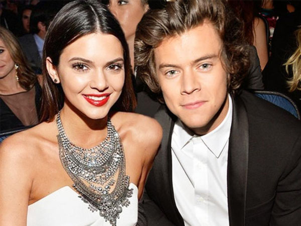 Liburan Tahun Baru Bersama, Harry Styles dan Kendall Jenner Pacaran?