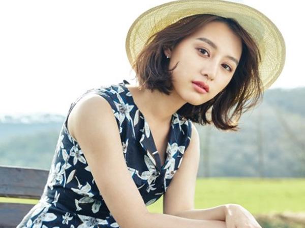 Lepas Seragam Tentaranya, Kim Ji Won Jadi Gadis Musim Semi di Pemotretan InStyle
