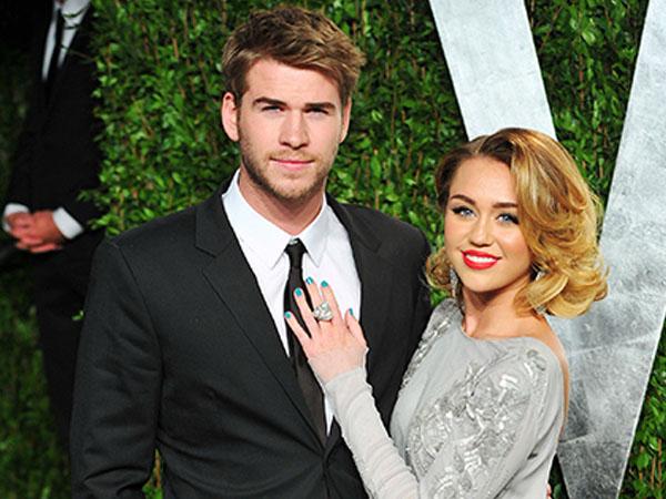 Pamer Cincin Baru, Miley Cyrus Sudah Dinikahi Liam Hemsworth?