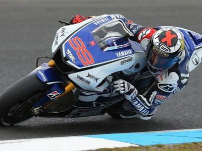 Pembalap Moto GP Keluhkan Performa Ban