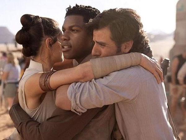 Ada yang 'Dihidupkan' Lagi hingga Pengorbanan Diri, Intip Final Trailer Rangkaian Terakhir Film 'Star Wars' Saga