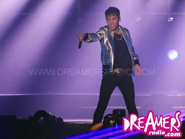 Makan Sop Buntut Hingga Goda VIP, Kocaknya Tingkah Seungri di Konser 'MADE' Big Bang di Jakarta