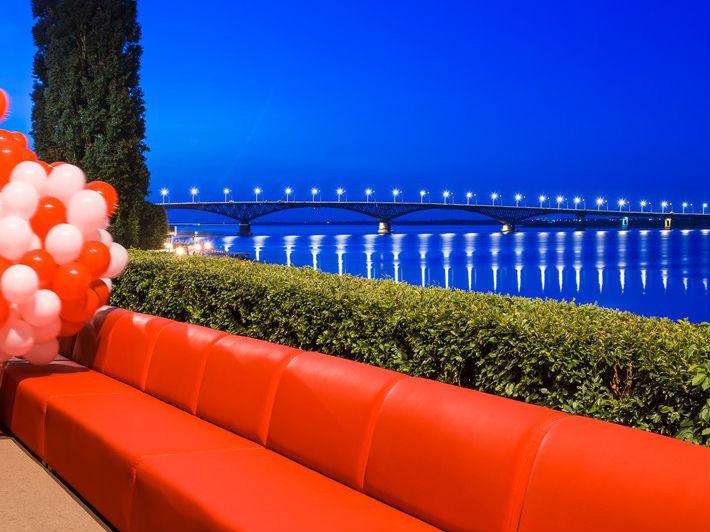 Wah, Sofa Sepanjang 1 KM Ini Pecahkan Rekor Dunia!