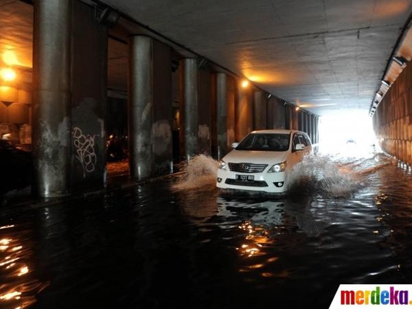 Hujan Tidak Terlalu Deras, Ini Alasan Miris Underpass Pondok Indah Banjir