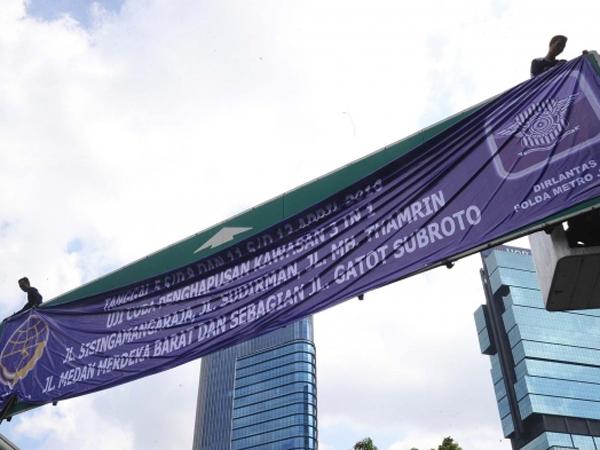 Hari Pertama Uji Coba Penghapusan 3 in 1, Hampir Seluruh Jalan Protokol Jakarta Macet Parah