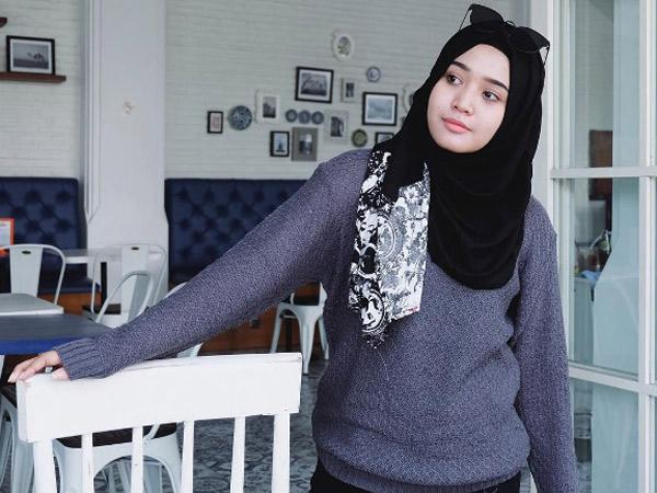 Sambut Musim Hujan Dengan Tips Merawat Sweater Hangat Kamu!