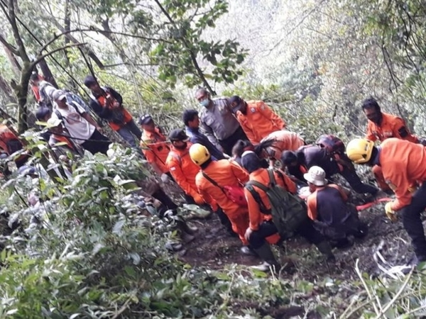 Fenomena Aneh Jasad Pendaki Slovakia Dikerumuni Monyet di Gunung Merbabu