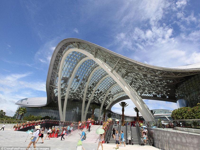China Buka Pusat Perbelanjaan Duty Free Terbesar di Dunia!