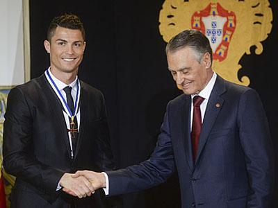 Cristiano Ronaldo Dapat Penghargaan Kenegaraan dari Presiden Portugal!