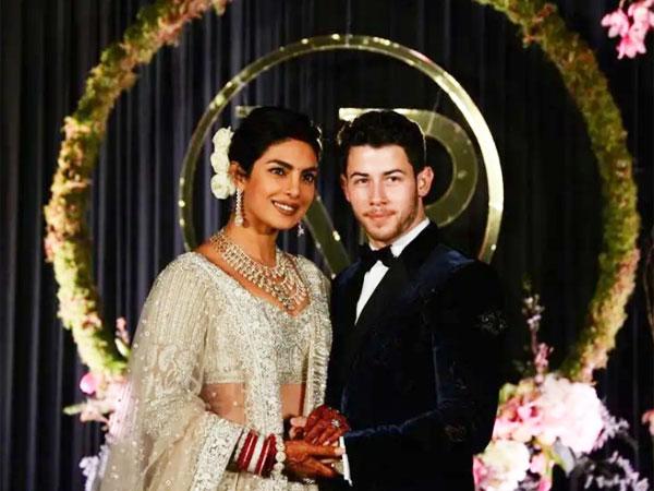 Pesan Rahasia Nan Romantis Di Ukiran Henna Pernikahan Priyanka Chopra-Nick Jonas