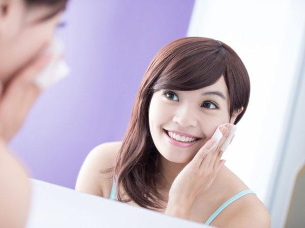 Jangan Takut Luntur, Intip Tips Makeup Bagi si Kulit Wajah Berminyak