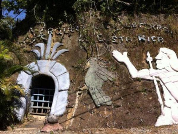 Wow, Rumah Bawah Tanah Pria Ini Dibuat Dengan Cara Mencangkulnya Sendiri!