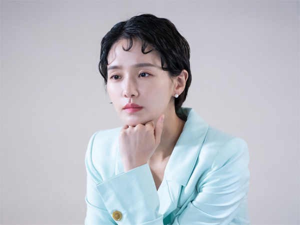 Potret Park Gyu Young Jadi 'Bucin Seni' di Drama 'Dali and Cocky Prince'