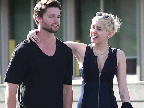 Miley Cyrus Tidak Bisa Eja Nama Belakang Patrick Schwarzenegger?