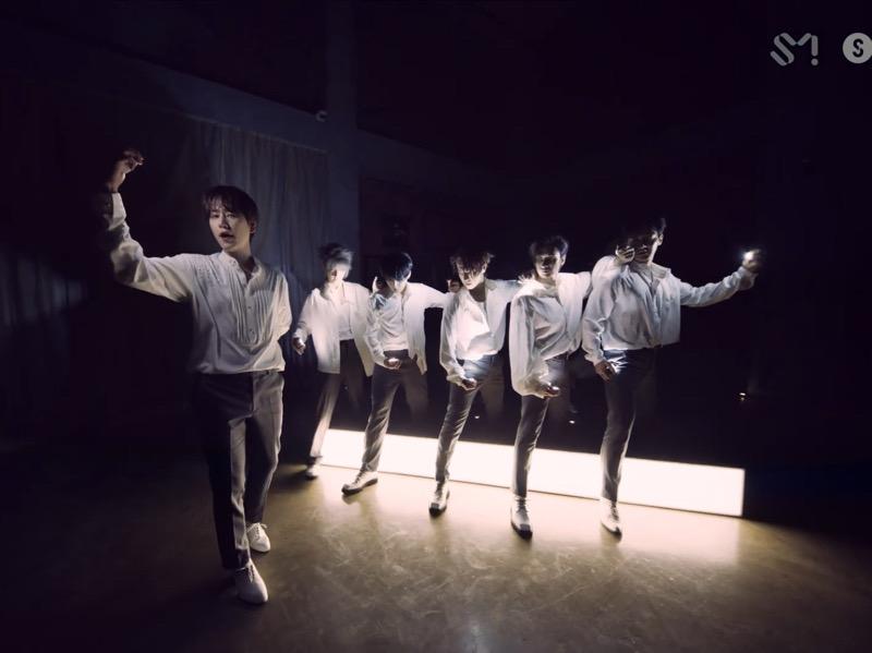 Super Junior Rilis Video Penampilan Teatrikal nan Dramatis 'Burn the Floor'