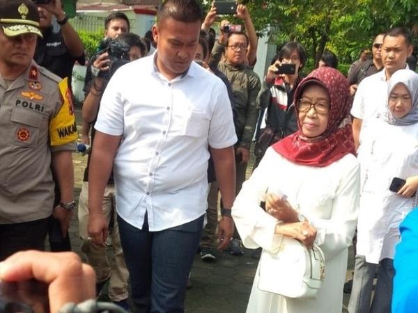 [BREAKING NEWS] Ibunda Presiden Jokowi Meninggal Dunia