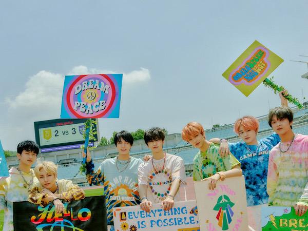 NCT Dream Enerjik Sambut Masa Depan di MV 'Hello Future'