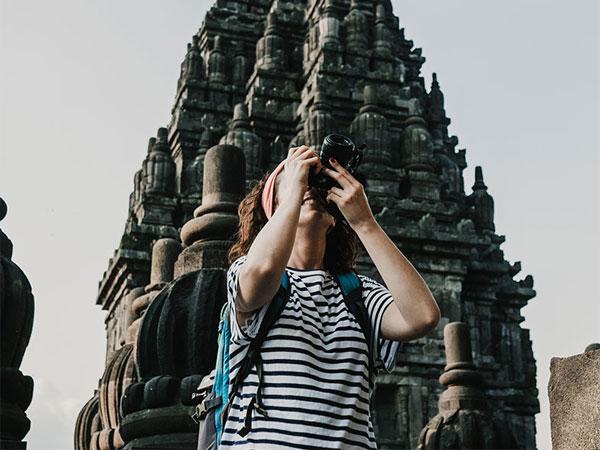 Jadi Cewek Hobi Solo Traveling? Wajib Kunjungi 4 Destinasi Liburan di Jogja Ini!