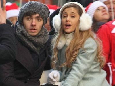 Sering Bermesraan di Depan Publik, Ariana Grande Malah Putus Dengan Nathan Sykes?