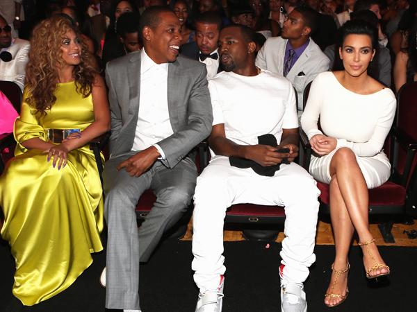 Beyonce-Jay Z Tak Mau Tinggal Tetanggaan dengan Kim Kardashian dan Kanye West?