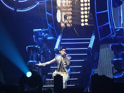 Jay Chou Sukses Hibur Ribuan Fans di Jakarta