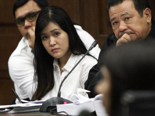 Dikenal 'Anak Manja', Ini Alasan Keluarga Jessica Tak Pernah Hadir di Persidangan