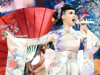 Tampil Ala Geisha Jepang di AMA 2013, Katy Perry Dianggap Rasis!