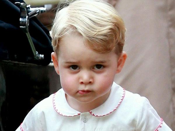 Gemas, Ini Gaya Pangeran George Saat Foto Bareng Keluarga Kerajaan Inggris