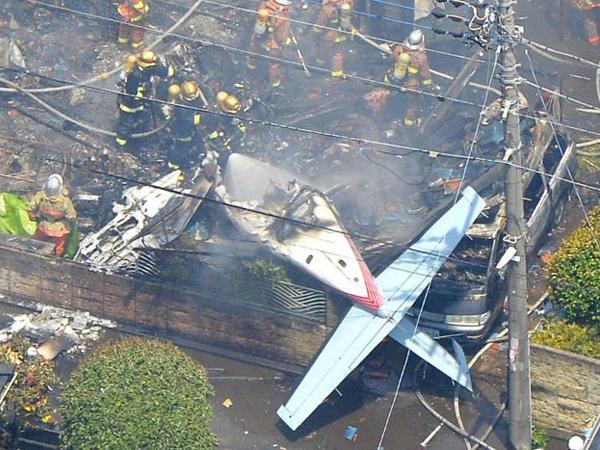 Pesawat Jatuh di Pemukiman Tokyo, 3 Orang Dinyatakan Tewas