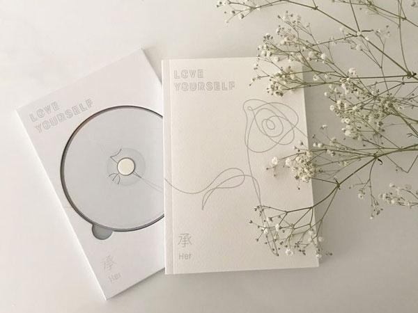 Album BTS Seri 'Love Yourself' Raih Penghargaan Desain Pengemasan Terbaik